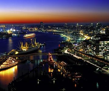 Hamburg - Hafen bei Nacht, Hamburg - Huber Images